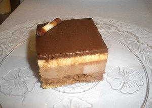 Cortado de tres chocolates