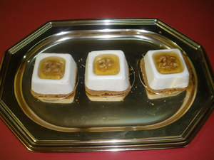 Mousse de queso con nueces y miel